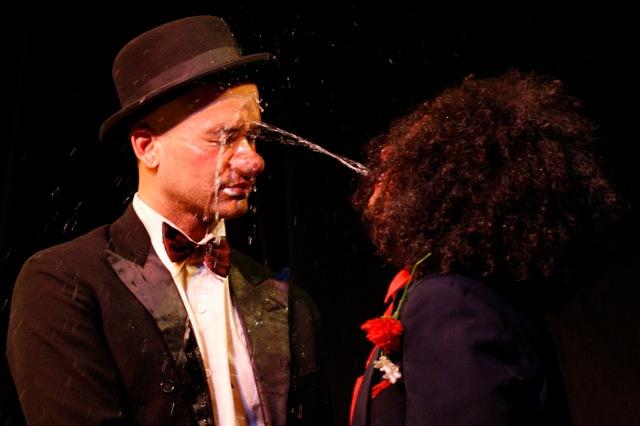 In-Conserto-Teatro-Anônimo-2-_RJ-foto-Guito-Moreto