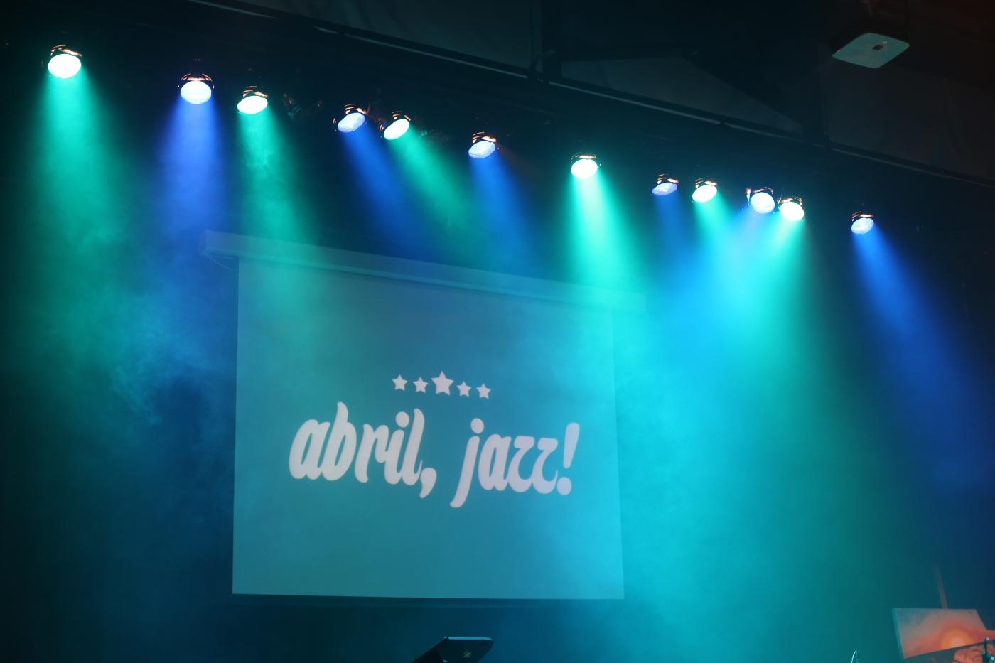 Abril, Jazz!
